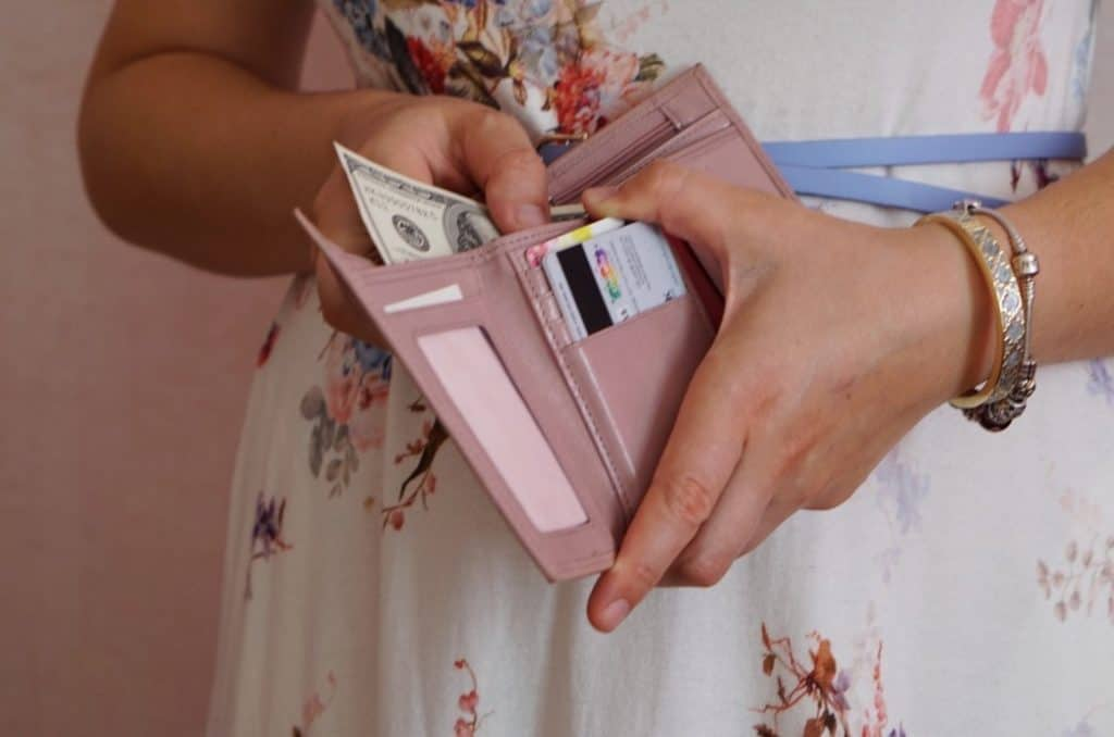 Things Frugal People Don't Do to Save Money